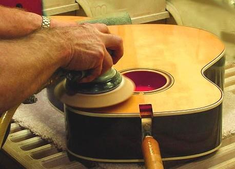 ban-dan-guitar-acoustic-o-dau-tphcm